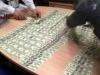 В Москве раскрыли схему незаконного вывода за рубеж более 100 миллиардов рублей.