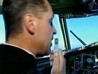 В студии -  спасшиеся пассажиры рейса «Полярный-Москва» и люди, которым они обязаны жизнью – весь экипаж самолета