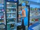 В программу «ЖКХ» обратились жители дома в центре Москвы, которые добиваются того, чтобы в подвале их дома закрыли продуктовый магазин