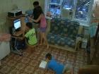 В программе «ЖКХ» - история матери четверых детей, которая хотела улучшить жилищные условия и заняла пустующую комнату в общежитии, но поплатилась за это сломанной рукой и сотрясением мозга