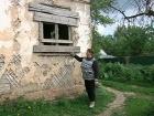 В программе «ЖКХ» - история Ирины из Подмосковья. Живя в аварийном доме, она отказалась платить за ЖКУ, а судебные приставы наложили арест на ее счет с детскими пособиями
