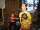 В программе «ЖКХ» - актер Александр Михайлов добивается улучшения жилищных условий для матери-одиночки, ютящейся в колясочной общежития