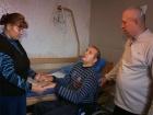 В программе «ЖКХ» - народный артист России Александр Лазарев помогает супругам Яценко добиться квоты на лечение сына, который не может ни говорить, ни ходить после аварии