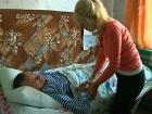 Из-за тяжелой болезни Жанна не может ухаживать за мужем-инвалидом, ветераном боевых действий в Афганистане. В программе «ЖКХ» - актер Александр Балуев пытается помочь женщине перевести мужа в специализированный пансионат