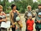 В программе «ЖКХ» - телеведущий Владимир Познер помогает жителям Ульяновска добиться ремонта в домах, пострадавших от взрыва на складе боеприпасов