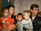 В программе «ЖКХ» - народный артист СССР Василий Лановой помогает вернуть в семью Мифаевых младшую дочь, которая после смерти матери оказалась у приемных родителей