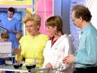 Новости о пользе кофе; еда для женщин после 50; апоплексия яичника; советы телезрителей