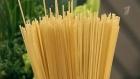 В составе спагетти могут быть только мука и вода