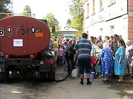 В Саратове 400 000 человек из-за аварии на насосной станции остались без воды.