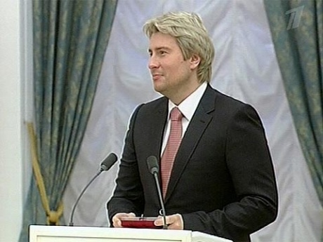 http://img1.1tv.ru/imgsize460x345/20091102222049.GIF