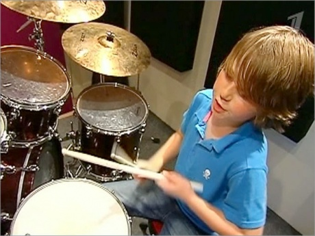 В Великобритании юные музыканты собрали миллионную аудиторию в Интернете