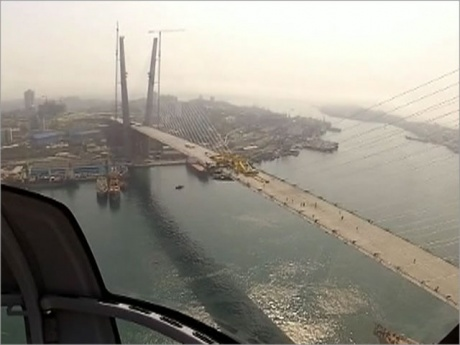 Мост через бухту золотой рог стройка