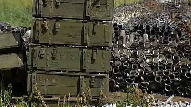 Під Слов'янськом - бій, невідомі напали на склади зі зброєю - ЗМІ
