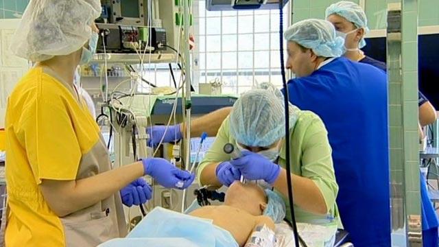 В Филатовской больнице девочке удалили умершую часть легкого.