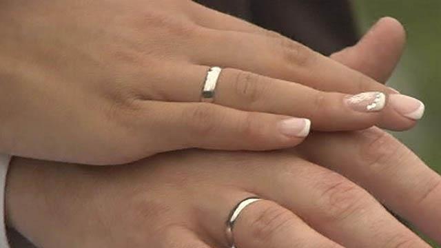 Почему нельзя мерить чужие кольца обручальные