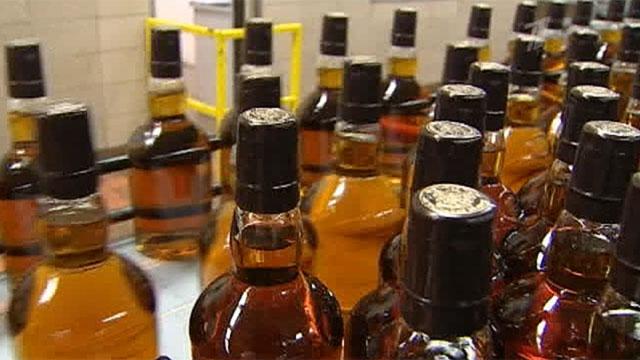 В Шотландии случайно вылили в канализацию 18 тысяч литров виски