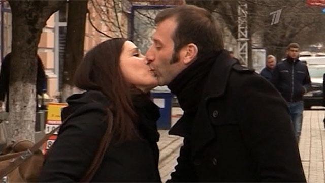 Дорожные знаки специально для влюблённых установили на улицах Симферополя