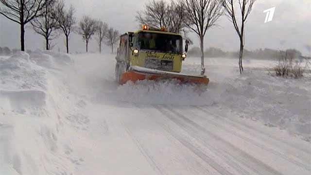 Обильные снегопады существенно осложнили дорожную обстановку в Западной Европе
