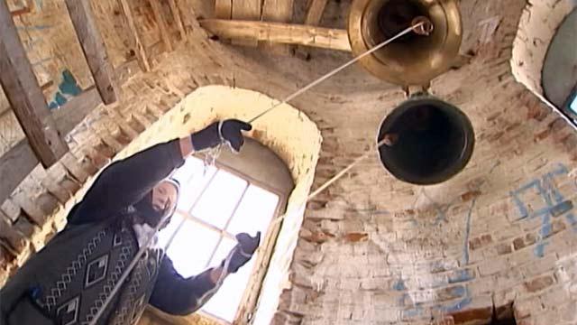 Пожилая жительница Липецка благодарит за исцеление колокольный звон