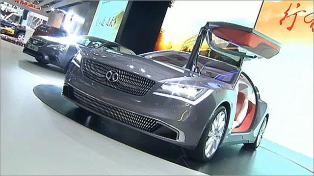 Ведущие мировые автоконцерны рассекретили свои новинки на салоне в Шанхае (Первый канал)