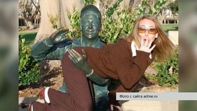 В интернете показали, как правильно фотографироваться с памятниками
