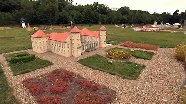 Парк миниатюр дает возможность познакомиться с основными достопримечательностями немецкой столицы