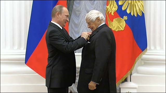 Владимир Путин вручил государственные награды выдающимся россиянам