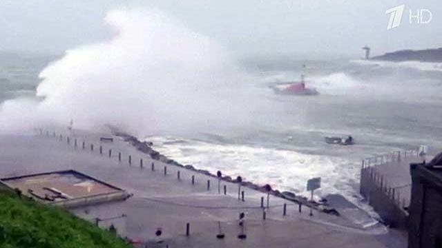 На Европу обрушились мощные шторма из глубин Атлантики
