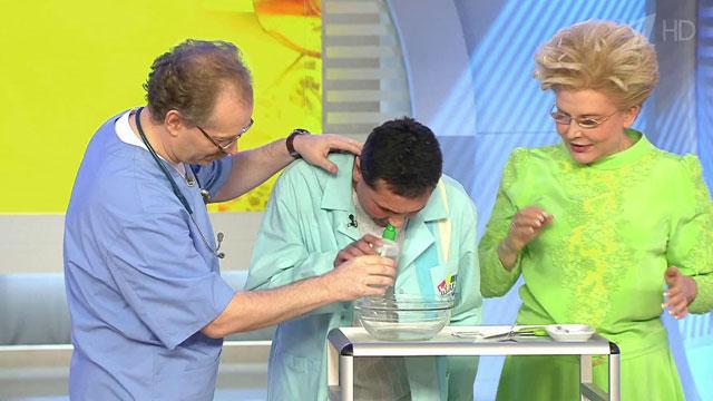 Как лечить насморк когда из носа течет вода