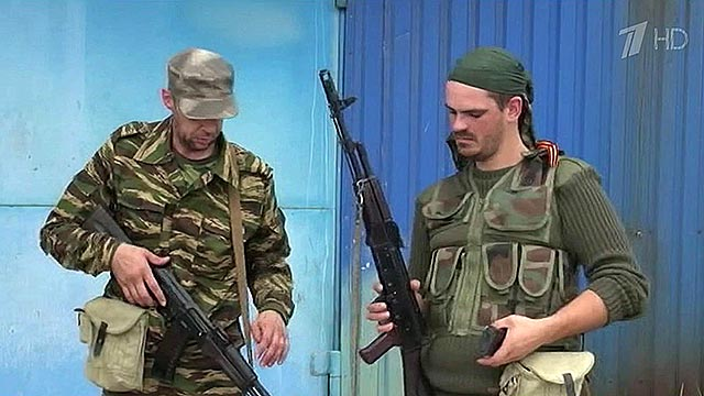 Ополченцы в Донецке и Луганске готовятся отражать атаки  (видео +)
