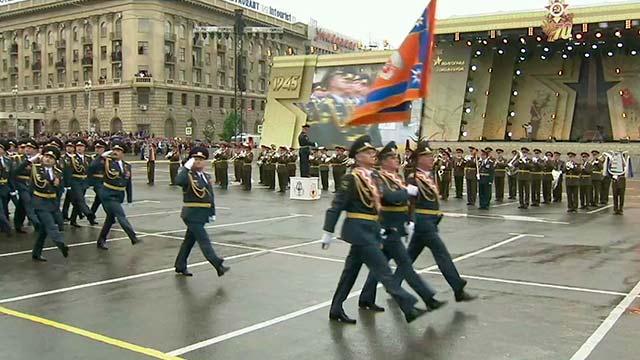 Военный парад прошел в Волгограде