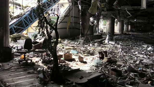 В Кремле прокомментировали последние заявления Порошенко о намерении захватить аэропорт Донецка