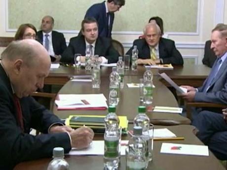 В Минске объявлено об отводе оружия калибром менее ста миллиметров от линии соприкосновения