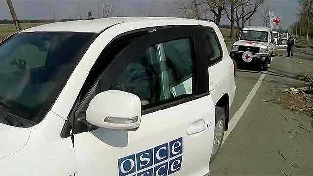 Наблюдатели международных миссий не смогли попасть на место обстрела журналистов под Донецком